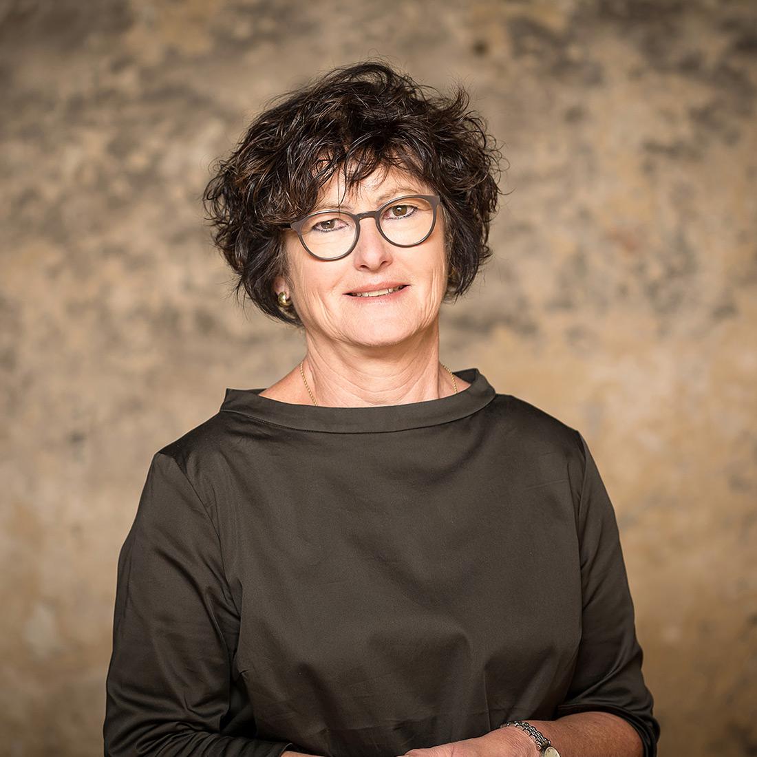 Helga Schnabel